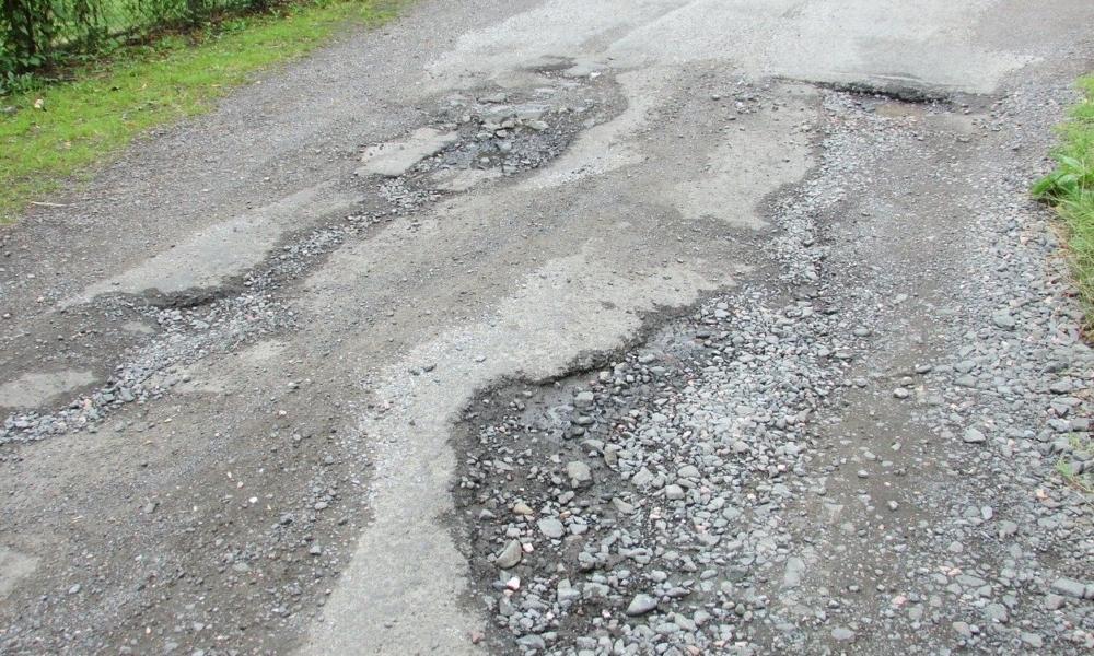 Odpowiedzialność zarządcy drogi za uszkodzenie pojazdu